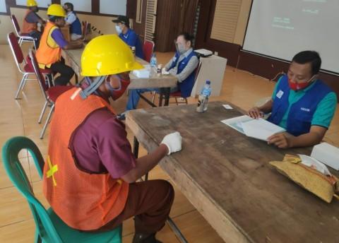 100 Tukang Bangunan Program Bedah Rumah Ikuti Sertifikasi