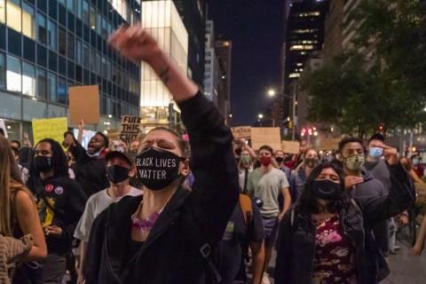 Bunuh Perempuan Kulit Hitam AS, Dua Polisi Dibebaskan