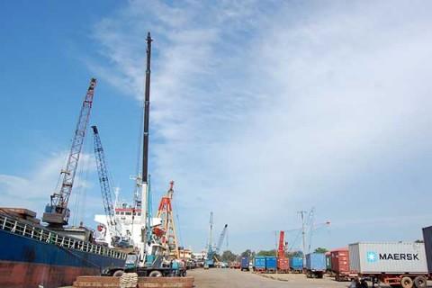 Batu Ampar Bakal Jadi <i>Green Port</i> Pertama di RI, Luhut: Jangan Mau Dilecehkan Singapura