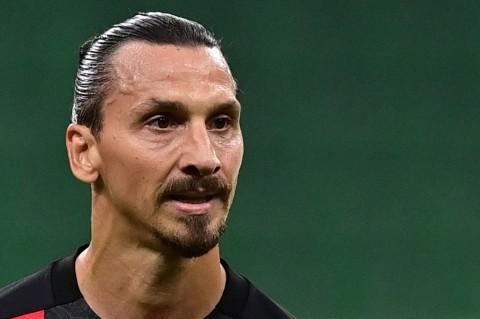 BREAKING NEWS: Striker AC Milan Zlatan Ibrahimovic Positif Covid-19