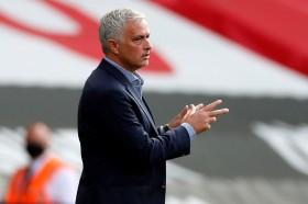 Tottenham Hotspur Lolos ke Playoff Liga Europa, Jose Mourinho Lega