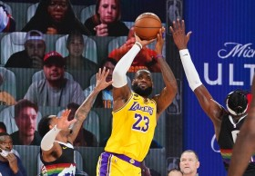 Anthony Davis dan LeBron James Gemilang, Lakers Unggul Tiga Bola dari Nuggets