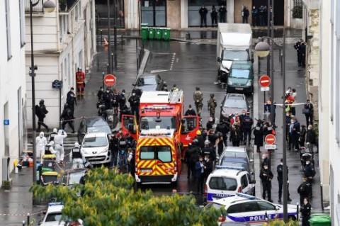 Dua Orang Terluka Dalam Penyerangan Dekat Kantor Charlie Hebdo