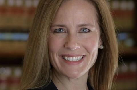 Trump akan Pilih Amy Coney Barrett untuk Gantikan Ginsburg