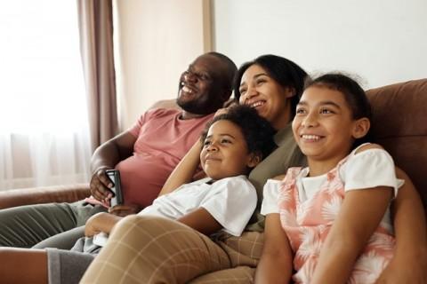 Tips Tingkatkan Interaktivitas Keluarga Ketika di Rumah Saja