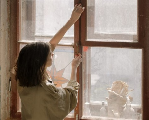 4 Kondisi Rumah Tidak Nyaman Saat <i>Work</i> <i>From</i> <i>Home</i>