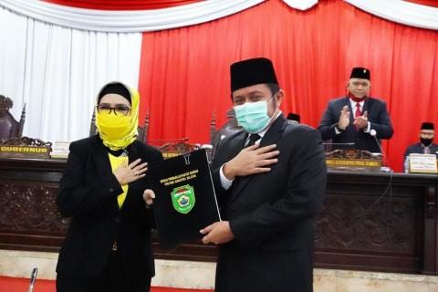 DPRD Sumsel Menyetujui 2 Raperda Usulan Herman Deru