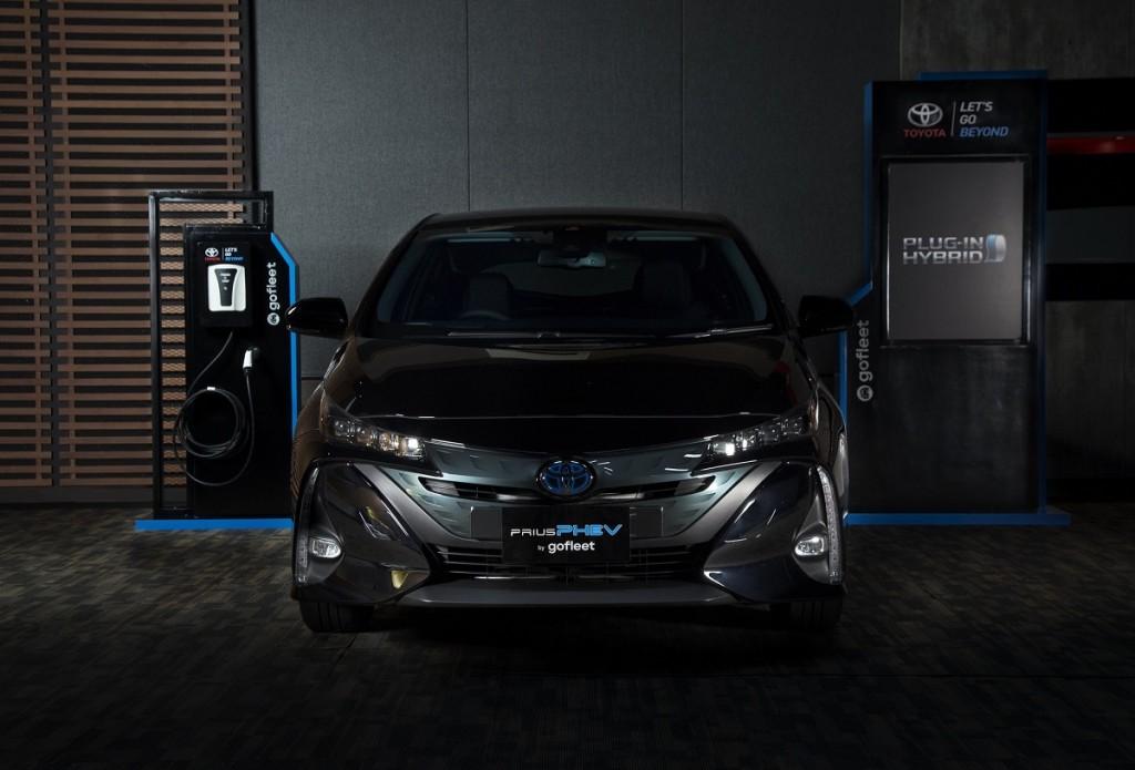 Toyota Prius PHEV menggunakan teknologi kombinasi mesin berbahan bakar bensin dan motor listrik. Toyota