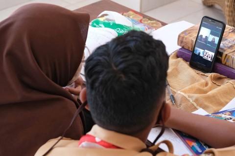 Terkendala Internet, Sekolah di Mataram Dibantu Bakti Kominfo