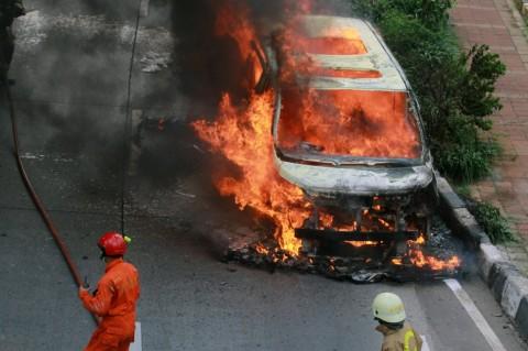 4 Cara Mengantisipasi Kebakaran Mobil