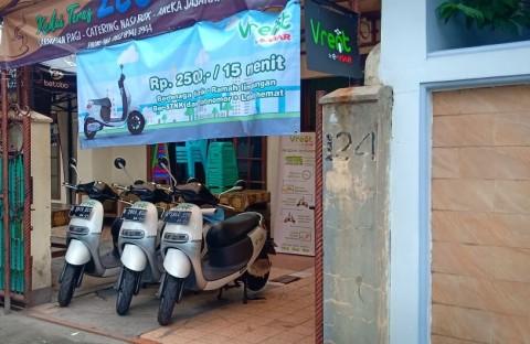 Ingin Coba Naik Motor Listrik Di Jakarta? Sewa Saja