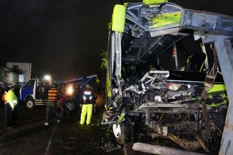 Kecelakaan Bus Wisata di Wonosobo Tewaskan 4 Orang