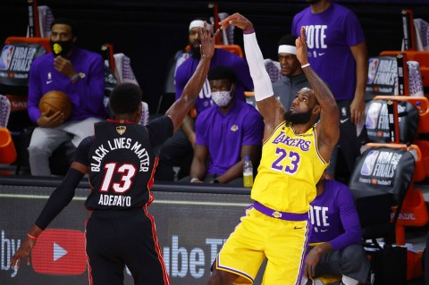 Lakers Tundukkan Heat di Gim Pertama Final NBA