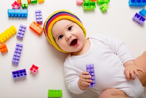 Normalkah Bayi Usia 5 Bulan, Berat Badannya Mencapai 10 Kg?