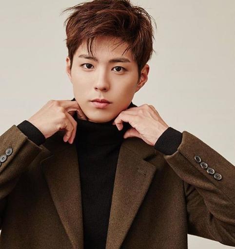 Park Bo Gum, salah satu selebriti Korea Selatan yang gaya berbusananya kerap ditiru oleh pemuda masa kini. (Foto: Dok. Instagram/@Parkbogum.official)