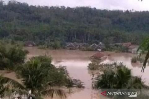 Ratusan Rumah Terendam Akibat Banjir Cianjur