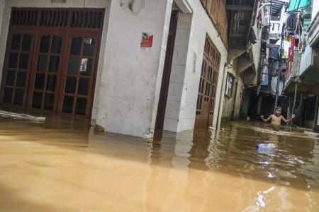 92 RT di Jakarta Masih Terendam Banjir
