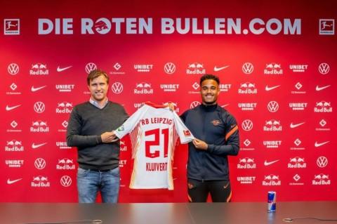 Kluivert Tinggalkan Roma untuk Gabung RB Leipzig