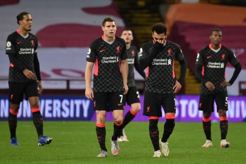 Shearer Kritik Lini Pertahanan Liverpool Usai Dikalahkan 7-2 oleh Aston Villa