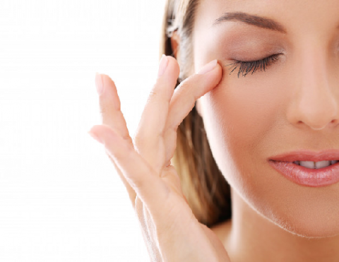 Tips Mencegah Mata Kering Selama Kehamilan