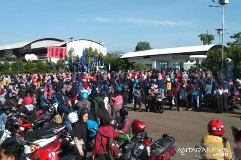 Polres Cianjur Kawal Aksi Ribuan Buruh