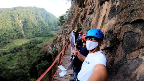 Tes Adrenalinmu di Jembatan Tebing Ondo Langit