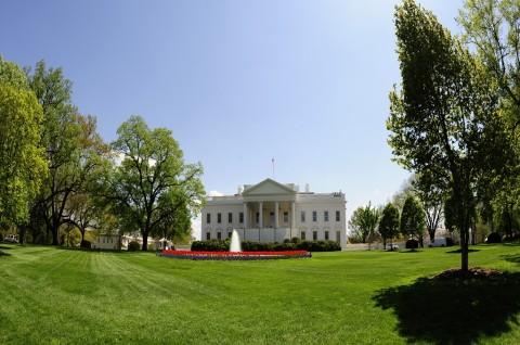 Pelacakan Kontak Klaster Covid-19 Gedung Putih Dipertanyakan