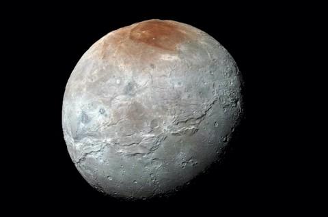 Penjelasan Fenomena Bulan Terbelah dari Dua Sisi Keilmuan
