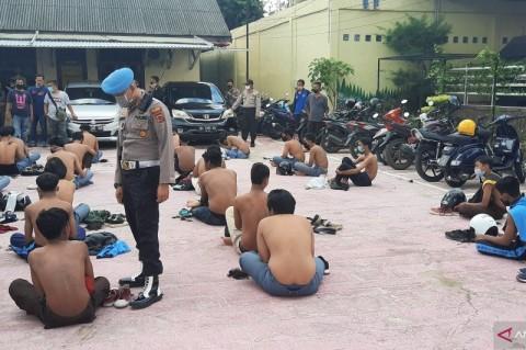 Rusak Gedung DPRD Jambi, Puluhan Pelajar Ditangkap