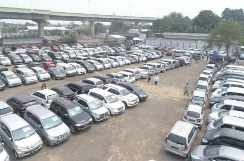 Parkir Mobil di Bawah Sinar Matahari Bisa Bunuh Virus Korona