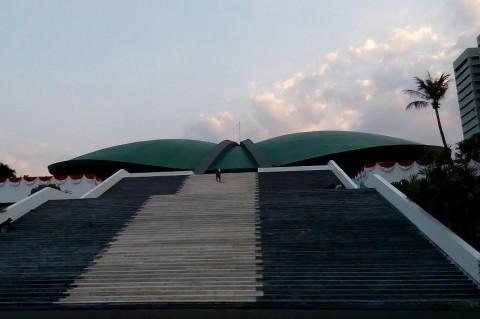 Gedung Nusantara I Kompleks Parlemen Ditutup Pekan Depan