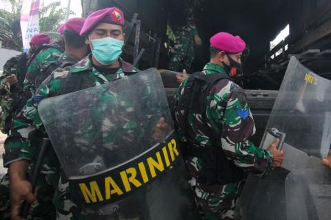 Ribuan Personel Amankan Demo Tolak UU Cipta Kerja di Surabaya