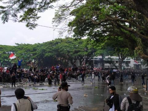 Demo Penolakan UU Ciptaker di Malang Diwarnai Kericuhan