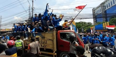 Ratusan Mahasiswa Unpam Bergerak ke Istana Negara