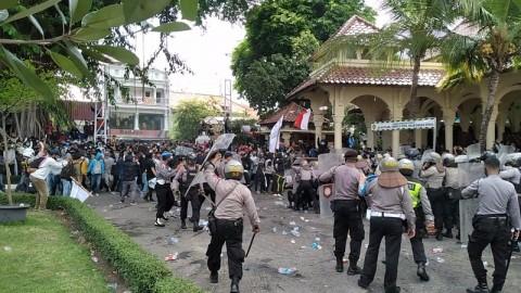 Aksi Tolak UU Ciptaker di Yogyakarta Ricuh