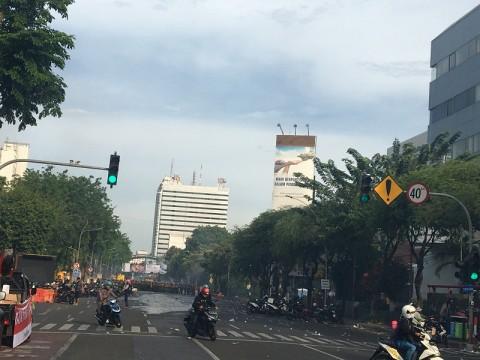 Ruas Jalan di Surabaya Lumpuh Akibat Demo