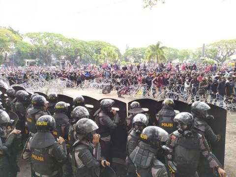 80 Orang di Malang Ditangkap Usai Demo Ricuh