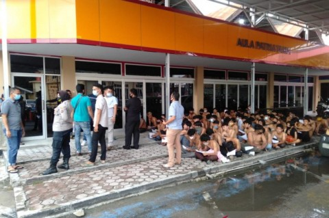 84 Orang Diduga Perusuh saat Aksi di DPRD Sumbar Ditangkap