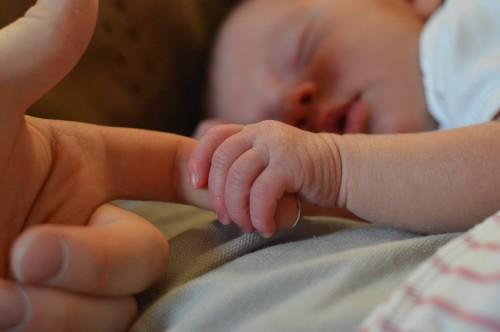 Bayi baru lahir sistem imunitasnya belum sempurna, sehingga ketika ada virus atau bakteri di sekitarnya bisa sangat berbahaya bagi mereka. (Ilustrasi/Pexels)