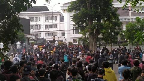 429 Peserta Aksi di Bandung Ditangkap