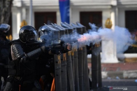 Khofifah Minta Polisi Cari Dalang Kericuhan saat Aksi