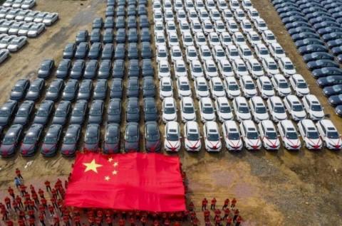 Pabrik di Tiongkok Hadiahi Mobil untuk Buruh