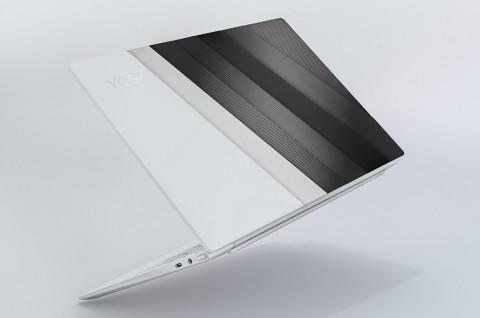 Lenovo Yoga Slim 7i Carbon Adopsi Intel Iris Xe