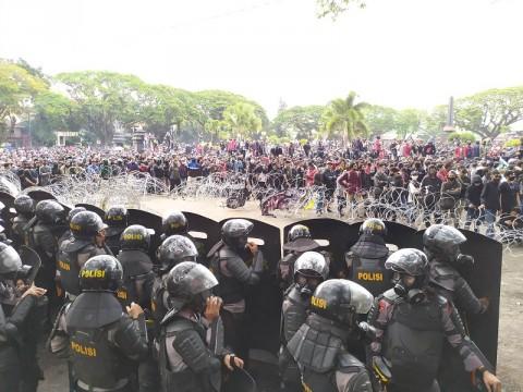 129 Pedemo di DPRD Kota Malang Ditangkap