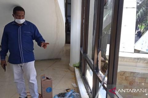 Polisi Diminta Usut Provokator Kericuhan Aksi di DPRD Sorong
