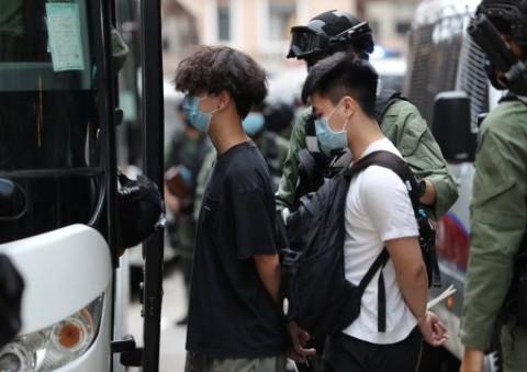 Polisi Hong Kong Tangkap 9 Terduga Pembantu Aktivis
