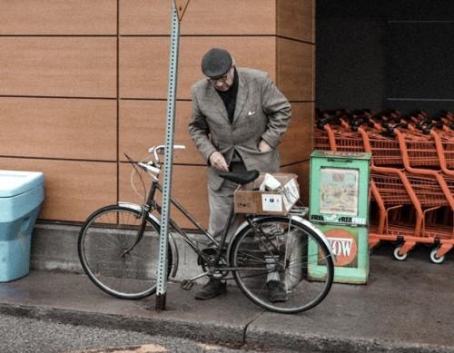 Berikut ini adalah tips aman belanja bagi lansia. (Foto: Ilustrasi/Unsplash.com)