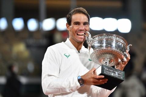 Nadal Menjuarai French Open Sambil Sentuh Rekor Roger Federer