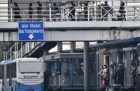 Halte Transit Senen Terbakar saat Demo, DKI Bangun Halte Sementara