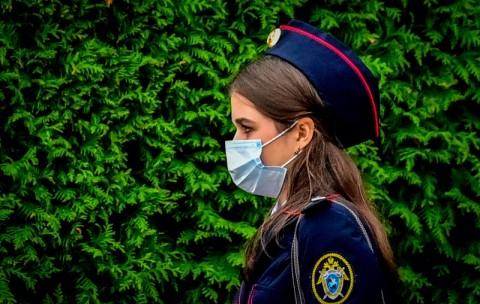 Rusia Catat Kasus Covid-19 Harian Baru Mencapai 13.634 Orang